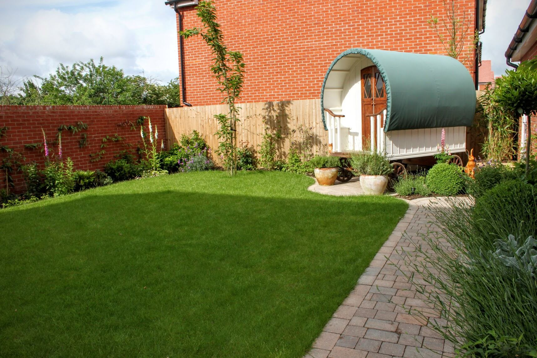 New House Backyard Design : New Garden Design for a Brand New House and Caravan  Oxford Garden