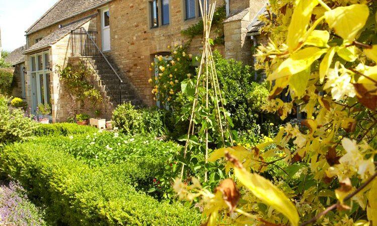 More Jobs for the August Garden Oxford Garden Design