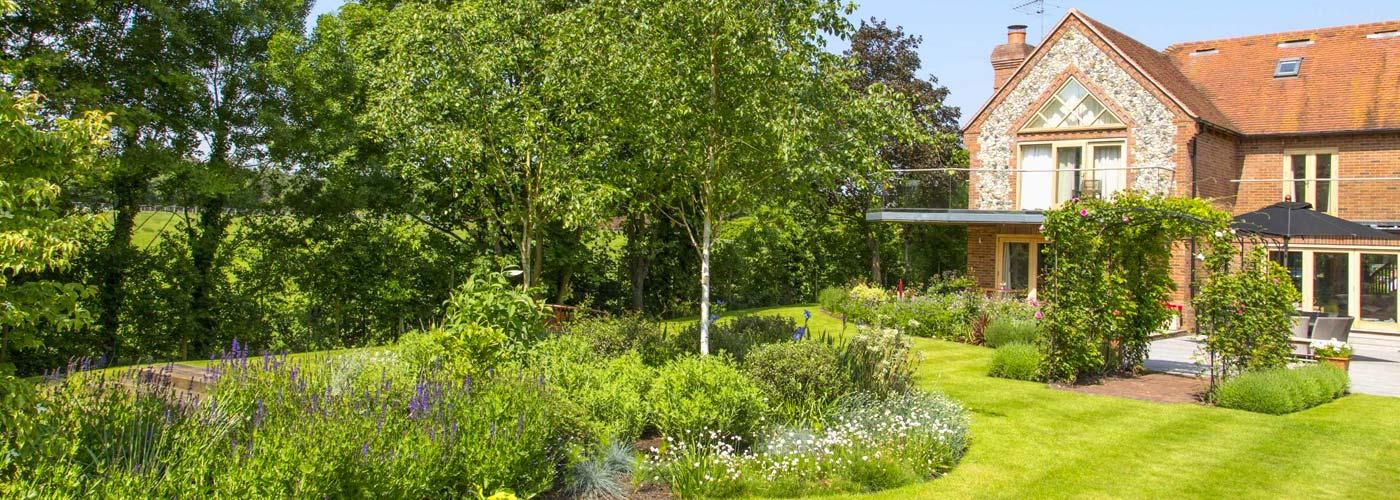 Garden Design & Landscaping Services in Oxfordshire ...